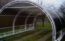 Polikarbonátos nyitott garázs Hobol